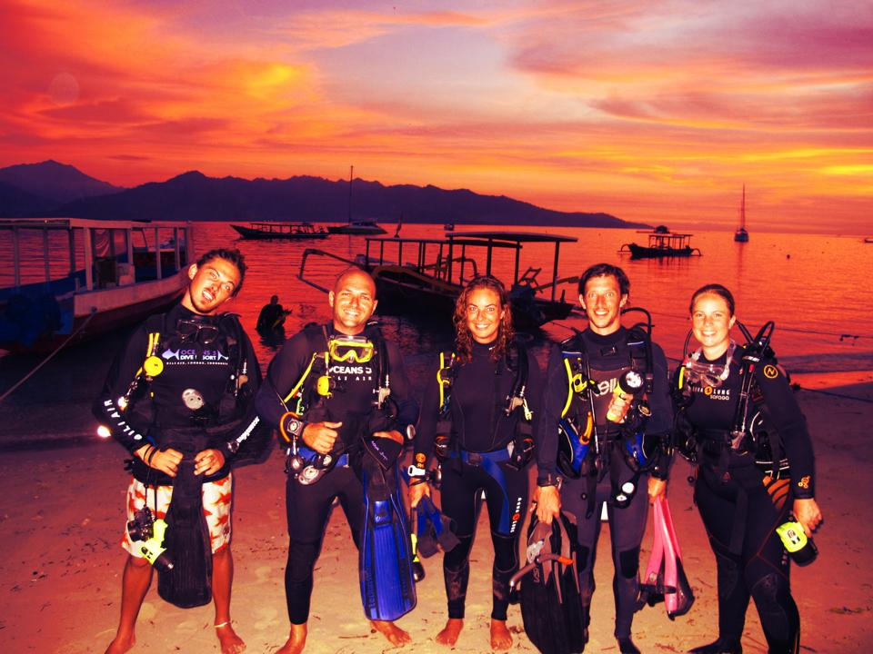 night-dive-divemasters-gili-shark-conservation-gili-air