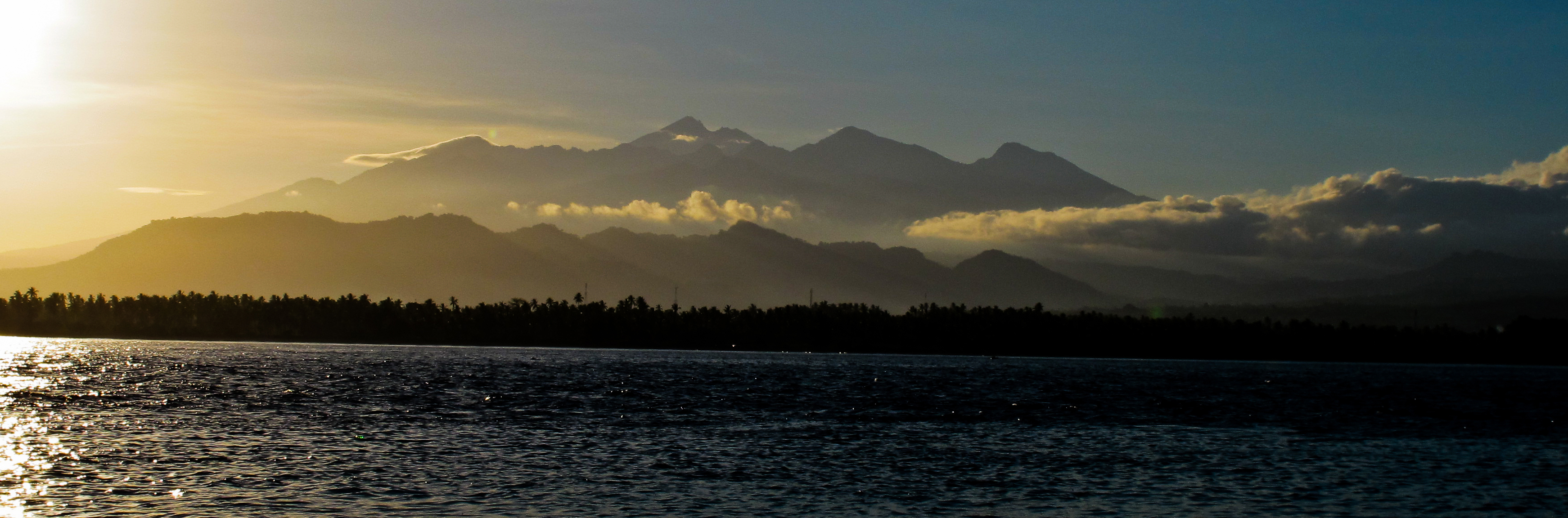 mount-rinjani-gili-sunrise-shark-conservation