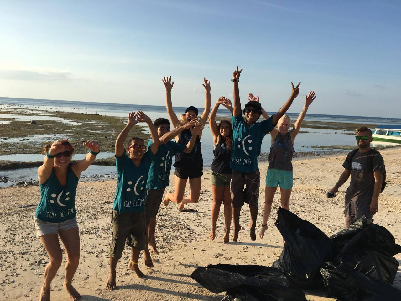 beach-clean-up-gili-air-gili-shark-conservation