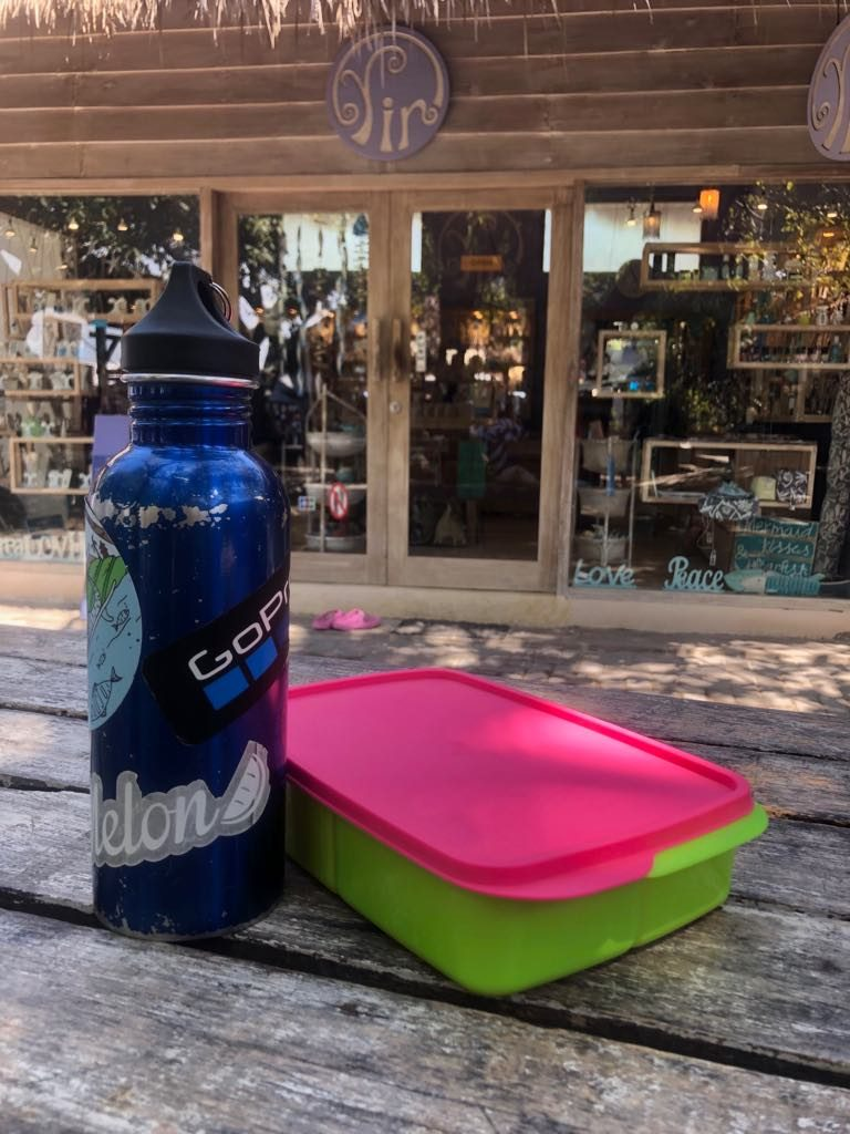There are so many good plastic free alternatives to single use plastic. Be environmentally friendly and get reusables!