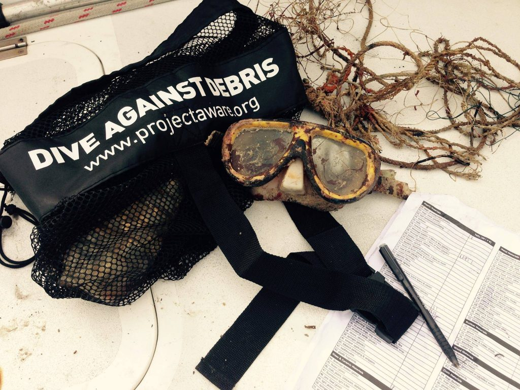Gili Shark Conservation Organizes A Weekly Dive Against Debris